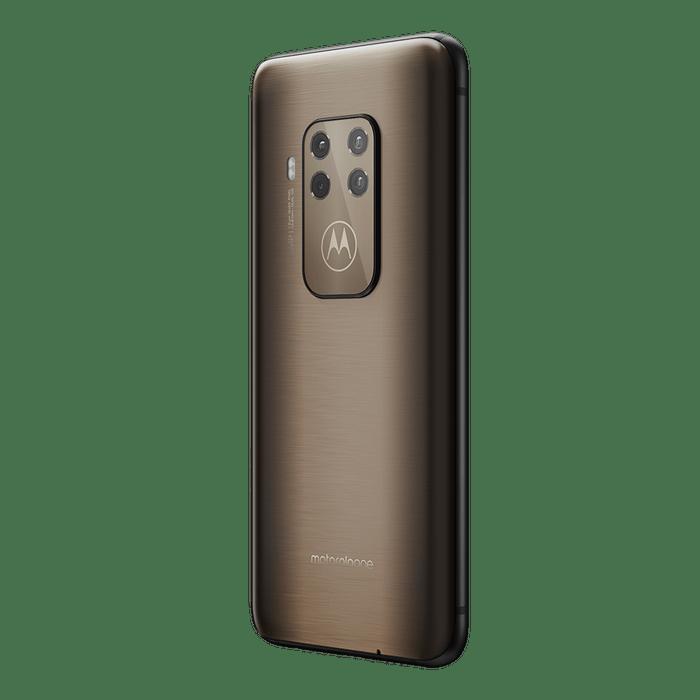 Motorola-One-Zoom-bronce-04